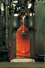 Industrial minerals: Glass bottle, © GettyImages