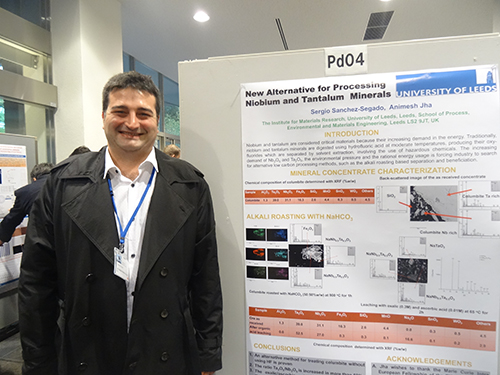 Sergio Sanchez-Segado presented a poster on processing of niobium-tantalum deposits. Copyright Frances Wall.